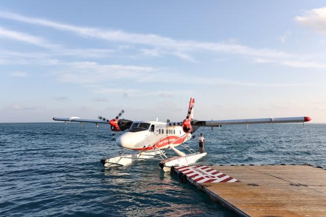 CONRAD MALDIVES_Seaplane Arrival_credit Justin Nicholas - hi-res (2)
